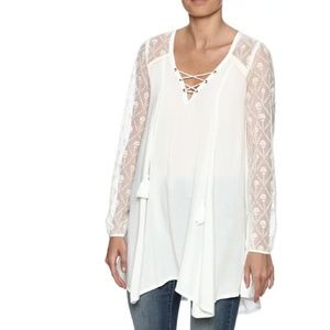 Staccato NWOT front lace up tunic, ivory, lace